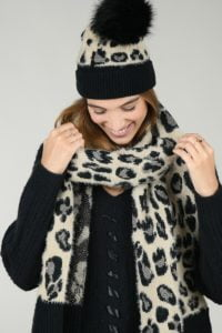 66150-set-scarf-and-beanie-panther-print