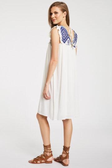 Φόρεμα με κέντημα